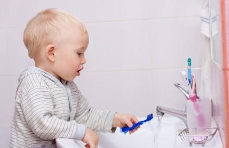 Профилактика детского кариеса: как сохранить здоровые зубы у малыша