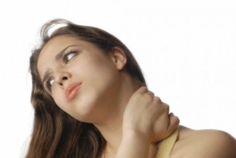 Инъекции ботокса уменьшают боль в шее
