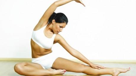 Йога может помочь женщинам, которые страдают от недержания мочи, полагают авторы нового исследования