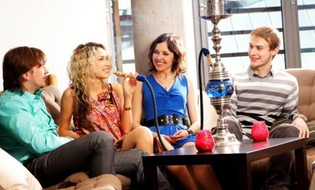 Курение кальяна вредит здоровью.