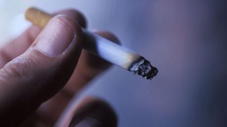 Курение вызывает потерю слуха
