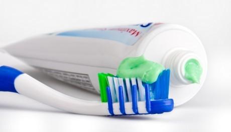 как можно заняться сексам с зубной щёткой