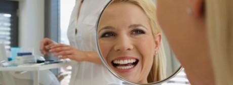 Своевременные визиты к стоматологу - путь к неотразимой улыбке.
