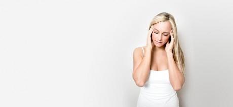 способы лечения головной боли при простуде, мигрени и интоксикации.