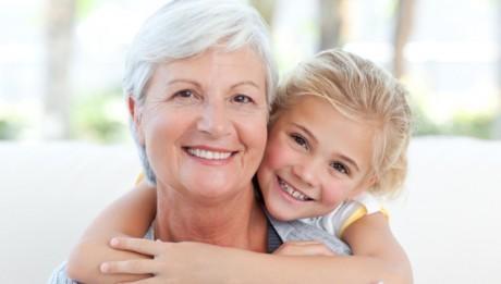 Возраст возникновения менопаузального синдрома около 47 лет.