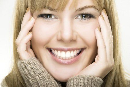 Наночастицы из диоксида кремния помогут лечить кариес и снимать чувствительность зубов.