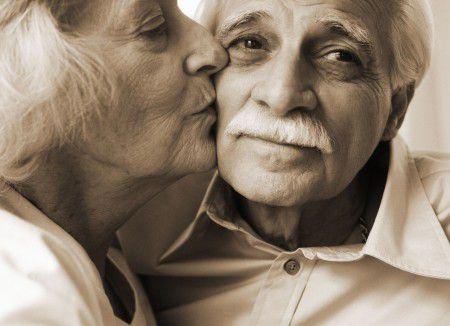 Ученые нашли способ влиять на болезнь Альцгеймера