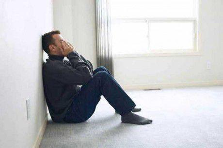 Депрессия будущих отцов может вызвать ранние роды