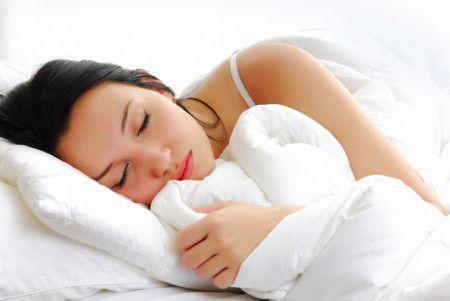 Женщина должна спать в среднем на 20 минут дольше мужчины