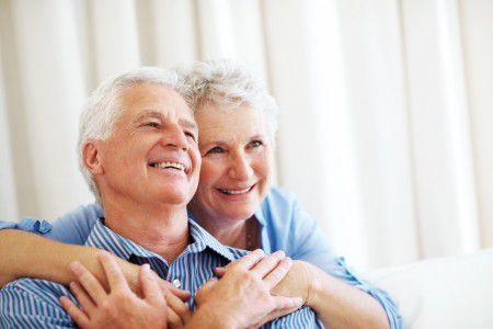 Пожилые люди мыслят позитивнее