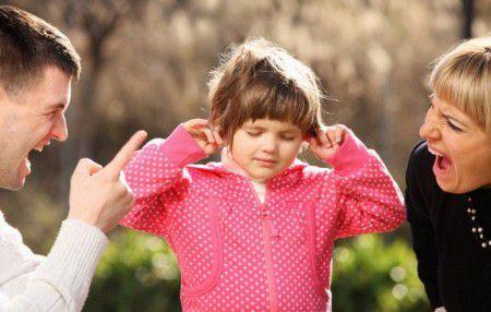 Жестокое обращение с ребенком приводит к появлению у него мигрени