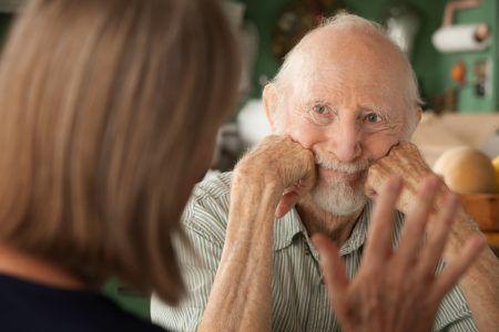 Ученые отметили снижение числа заболеваний деменцией у мужчин в Великобритании