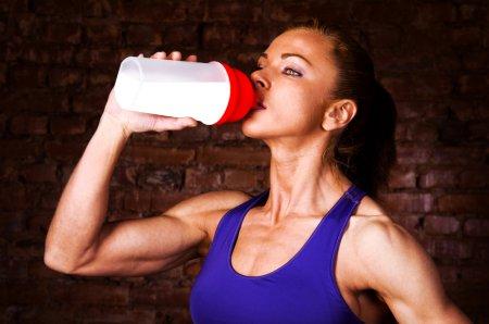 Короткого пептида  увеличивает рост мышечной массы